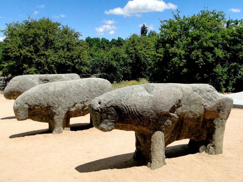 Toros de Guisando - visitas cercanas a San Martín de Valdeiglesias
