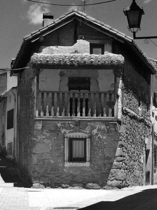 Casa de Tío Talis - Visitar la Adrada con Hacienda La Coracera
